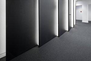 Die vertikal beleuchteten Wandscheiben im Detail<br />