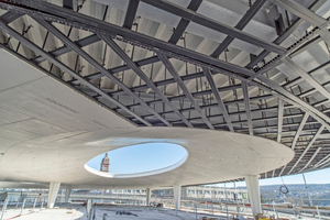 """Die Unterkonstruktion besteht aus korrosionsgeschützten Metallprofilen vom Protektorwerk in Gaggenau, die die Mitarbeiter von Jaeger Ausbau mit zementgebundenen Bauplatten von Aquapanel beplanten<span class=""""bildnachweis"""">Foto: Protektorwerk</span>"""
