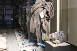Die rechstlichen originalen Skulpturen aus der Reihe griechischer Mythologie