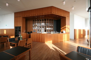Bar im neu errichteten Restaurant