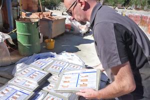 Die Mörtelpads werden in handlichen Paketen auf Palette zur Baustelle geliefert