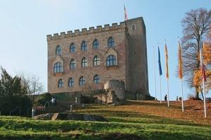 Im Hambacher Schloss wird in einer Dauerausstellung die Geschichte der deutschen Demokratiebewegung gezeigt