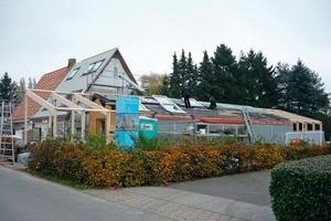 Anfang November standen die Um- und Anbauarbeiten am Siedlerhaus in Hamburg-Wilhelmsburg, dem so genannten LichtAktiv Haus, kurz vor ihrem Abschluss<br />