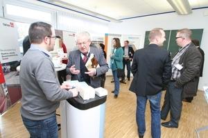 Zusätzlich zum Vortragsprogramm gab eine Ausstellung den Besuchern Gelegenheit, mit den Referenten der teilnehmenden Firmen ins Gespräch zu kommen