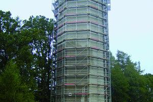 Bild ganz rechts: Einrüstung des Wasserturms in Lauterbach