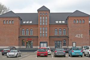 """Das 1912 in Krefeld erbaute Lichtenthäler-Haus nach Abschluss der Sanierungs- und Umbauarbeiten<span class=""""bildnachweis"""">Fotos (2): Thomas Lammertz</span>"""