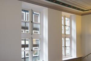 Die Endbeschichtung des Lehmoberputzes erfolgte mit einer Silikatinnenfarbe<br />Fotos: Wildmann Architekten<br />
