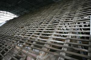 Der historische Dachstuhl ohne Ziegeleindeckung<br />