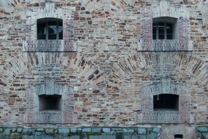 """Die fachgerechte Sanierung von Natursteinmauerwerk hält für den Handwerker einige Herausforderungen bereit<br /><span class=""""bildnachweis"""">Foto: Thomas Wieckhorst</span>"""