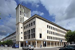 Mit einer mineralischen Innendämmung ohne Dampfsperre von innen energetisch saniert: das Rathaus von Saarlouis<br />
