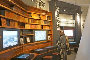 In einem kleinen Museum wird im Gebäude die Entstehung und der Bau der Jahrhunderthalle vermittelt