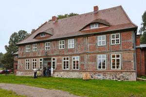 Links: Erster Preis in Hessen: Hofreite in Hünstetten<br />Foto: Deutsche Stiftung Denkmalschutz / Marie-Luise Preiss