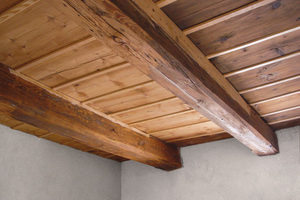 In Mehr- und Einfamilienhäusern waren Holzbalkenkonstruktionen als Geschossdecken bis in die 1960er-Jahre hinein Standard Fotos und Zeichnungen: Saint-Gobain Rigips