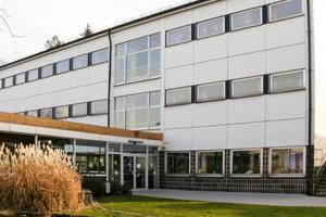 Die Hauptschule in Neustadt vor der Sanierung<br />Foto: Binner Planung + Projektentwicklung GmbH, Neustadt