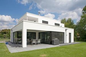 """Das Einfamilienhaus """"Ost"""" liegt am Rande des Baugrundes Richtung Klötzlmühlbach und ist mit 204 m<sup>2</sup> das kleinste der vier Einfamilienhäuser"""