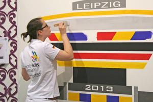 Malerin Maren Ottens, Maurer Sebastian Wichern (rechts) und Bautischler Christian Kemmerer (oben) zeigten auf den WorldSkills in Leipzig ihr hervorragendes handwerkliches Können