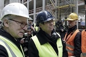 Bundesbauministerin Barbara Hendricks am 1. April auf der Stadtschloss-Baustelle