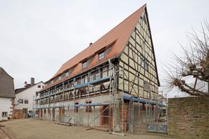 """""""Haus Belz"""": Der restaurierte Giebel wurde einen Winter lang bewittert, um die Eignung der Verfahren zu testen"""