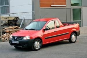 Der Dacia Logan Pick-Up ist mit seiner robusten Ausstattung und dem Preis von 8390Euro für das Testfahrzeug mit Benzinmotor eine interessante Alternative für den pragmatischen Handwerker. Mit einer Nutzlast von 725kg und einer Ladefläche von 1,80x1,37m bietet das Fahrzeug genug Kapazität für den gewerblichen Einsatz<br />