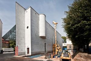 Beginnende Bauarbeiten für die Erweiterung hinter dem Peichel-Bau Fotos: Norbert Miguletz<br />