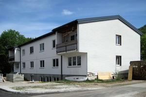 Das Werkschulheim Felbertal vor (links) und nach Abschluss der energetischen Sanierung (rechts) Fotos: Steinbacher
