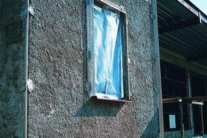 Links: Zur Ausführung sicherer Detaillösungen wie Sockelabschluss und Gebäudeecken stehen spezielle Putzprofile zur Verfügung