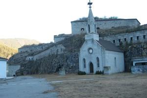 Blick auf die Kapelle mit der Franzensfeste in Hintergrund<br />