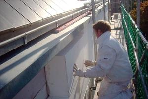 Ein 24 cm dickes WDV-System aus Polystyrol sorgt auf den Porenbetonsteinen für eine sehr gute Wärmedämmung der Außenwände<br />