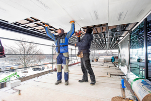 Die zementgebundenen Bauplatten werden auf die Tragprofile geschraubt Fotos: Knauf Aquapanel / Ekkehard Reinsch