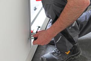 Für die Montage der Vario-Fix-Zarge kann man das gleiche Werkzeug verwenden, wie für Holzzargen