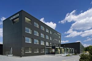 Gesamtlösung im Passivhaus-Standard mit Dämm- und Bauelementen aus eigener Produktion  Foto: Ulrich Studios