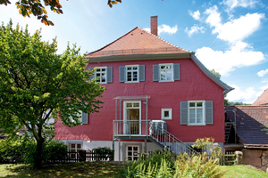 Im ehemaligen Forsthaus in Bad Herrenalb befindet sich heute eine moderne Zahnarztpraxis