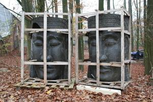 """<span style=""""font-family: Arial;""""></span>Buddhafiguren warten auf die Verarbeitung<br />Fotos: Thomas Wieckhorst<br />"""