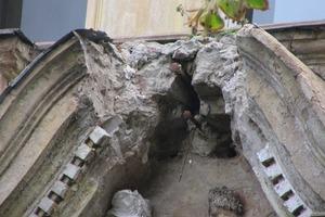 Über 50&nbsp;Prozent des Außenstucks wies starke Feuchtigkeitsschäden auf, die allesamt aufwendig repariert werden mussten<br />