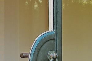 Kurrioses Detail der Gartentür von Haus Esters