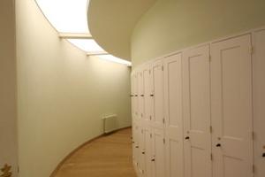 Schließfächer im Umgang um den Hörsaal<br />