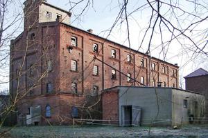<br />Der fast 20jährige Leerstand hatte deutliche Spuren in der Bausubstanz der Mühle Spiegelberg hinterlassen. Der Abriss des denkmalgeschützten Gebäudes wurde bereits diskutiert<br />