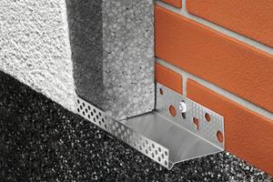 Das neue WDVS-Sockelprofil von Protektor überzeugt durch mehr Stabilität<br />Fotos: Protektorwerk / Gallandi<br />