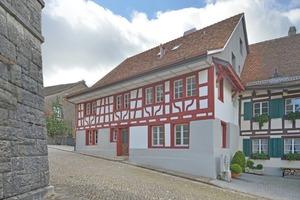Hinter der erhalten gebliebenen Fachwerkfassade des Hauses Lendenmann befindet sich ein modernes Haus aus Stahlbeton