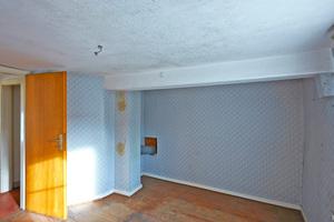 Blick in den Raum im Obergeschoss, der das heutige Wohnzimmer bildet
