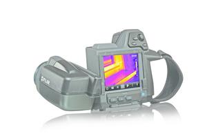 """Die """"T420bx"""" bietet eine scharfe Wärmebildauflösung von 76800 Pixeln für präzise Messungen mit größerem Abstand zum Zielobjekt"""