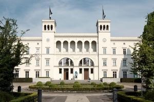 Der bereits 1996 vom Architekten Professor Josef Paul Kleihues zum Museum für Gegenwart umgebaute Hamburger Bahnhof in BerlinFotos: Heradesign