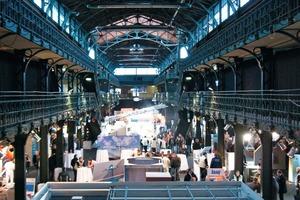 Die Knauf Werktage fanden Ende Januar unter anderem in der Fischauktionshalle in Hamburg statt. Gezeigt wurde der Auftrag von Gipsputz im Airless-Verfahren, die Verspachtelung von Plattenstößen mit Trias-Gipsspachtel usw.