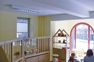Raumhohe Fensterflächen machen die Kinder-Krippe im Kellergeschoss hell und wohnlich<br />