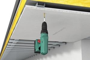 Powerpanel H2O mit Schrauben direkt in geeigneter korrosionsgeschützter Metallunterkonstruktion befestigen<br />