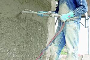 Beim Einsatz von Mischpumpen auf die Angaben des Sanierputz-Herstellers achten